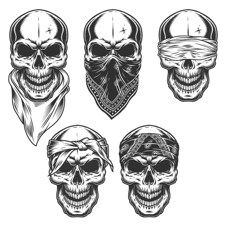 Illustration pour Set of skull in bandanas - image libre de droit
