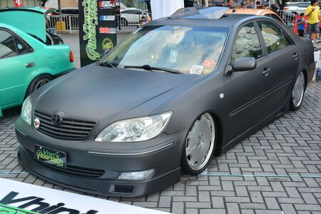 Photo pour PASAY, PH - DEC. 7: Toyota Camry at Bumper to Bumper 15 car show on December 7, 2019 in Mall of Asia Concert Grounds, Pasay, Philippines. - image libre de droit