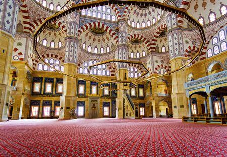 Foto für Adana, Turkey, 08.20.2014: The largest Turkeys Sabanci Central Mosque interior inside, walls, stained-glass windows, painting walls and domes. - Lizenzfreies Bild