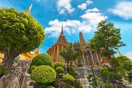 Foto de Grand Palace and temples, Bangkok, Thailand - Imagen libre de derechos
