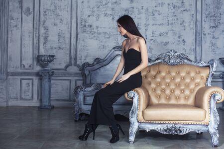 Photo pour beauty young brunette woman in luxury home interior, fairy bedroom rich people concept - image libre de droit