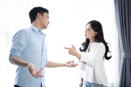 Photo pour Asian couples quarrel at home. - image libre de droit