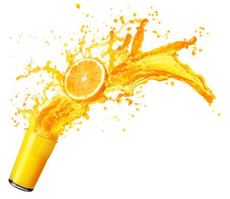 Photo pour Orange juice splashing with its fruits isolated on white background - image libre de droit