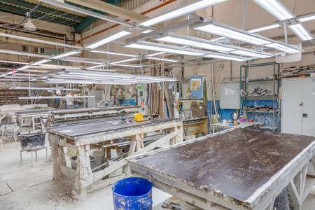 Photo pour Moscow, Russia - September 07, 2020: Inside an industrial workshop of the Dikart gypsum stucco molding plant - image libre de droit