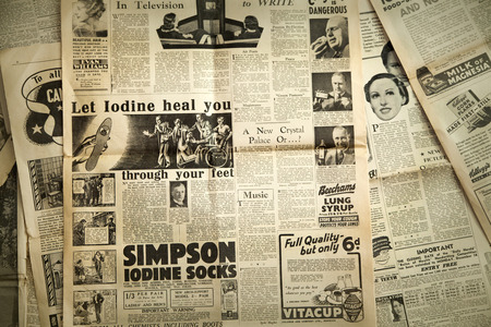 Photo pour Vintage news paper background - image libre de droit