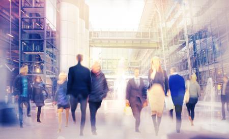 Photo pour Walking people blur background - image libre de droit