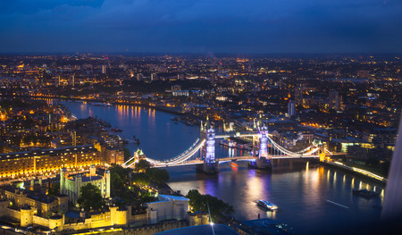 Photo pour London, night panorama. Tower bridge - image libre de droit