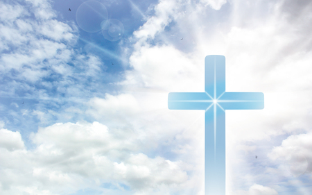 Photo pour Crucifix cross on beautiful sky with sunbeam. Holy cross of Jesus christ on clouds background. - image libre de droit