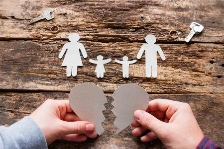 Photo pour man and woman and broken heart concept divorce - image libre de droit