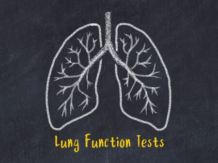 Photo pour Concept of learning medicine. Chalk drawing of lungs with inscription Lung Function Tests - image libre de droit