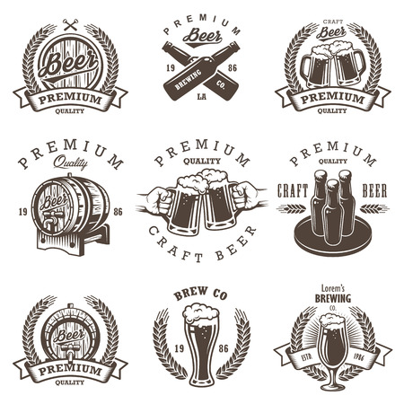 Illustration pour Set of vintage beer brewery emblems, labels, logos, badges and designed elements. Monochrome style. Isolated on white background - image libre de droit