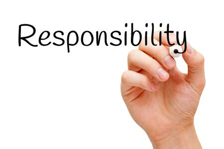Photo pour Hand writing the word Responsibility with black marker on transparent wipe board isolated on white. - image libre de droit