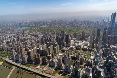 Photo pour new york city manhattan central park panorama aerial view from helicopter - image libre de droit
