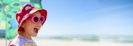 Foto de beach panoramic child happy summer vacations - Imagen libre de derechos