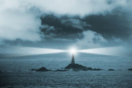 Photo pour Lighthouse at night - image libre de droit