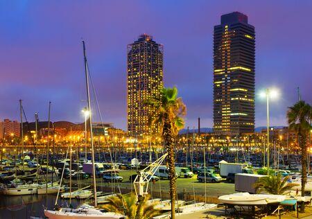 Photo pour Evening view of Port  in Barcelona. Catalonia,  Spain - image libre de droit