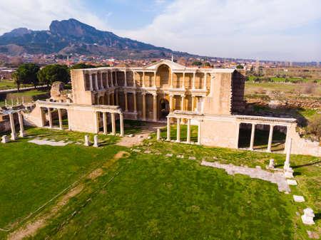 Photo pour Aerial view of bath gymnasium complex ruins in Sardis, Turkey - image libre de droit