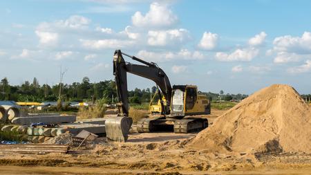 Photo pour Construction Site in Sunny Day - image libre de droit