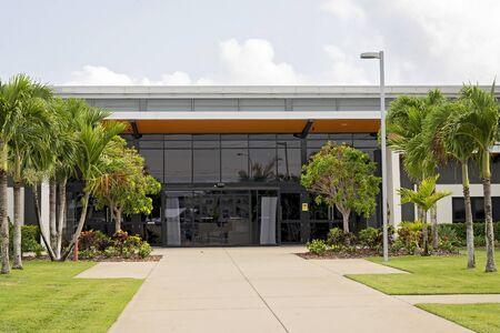Photo pour Entrance to a public office building - image libre de droit