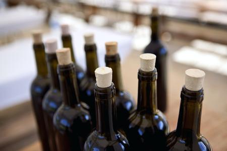 Photo pour Bottles of red wine - image libre de droit