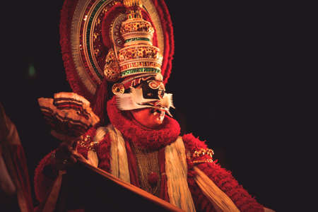 Photo pour A kathakali dancer performs at event 'Drishti festival' which was staged in Chowdiah Hall,Bengaluru on January 11,2020 - image libre de droit
