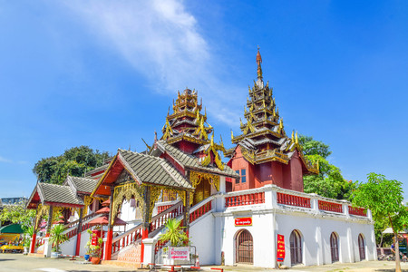 see chomp temple, lampang city, thailand