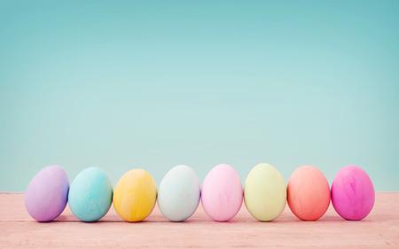 Foto de Vintage pastel color of Easter eggs. - Imagen libre de derechos