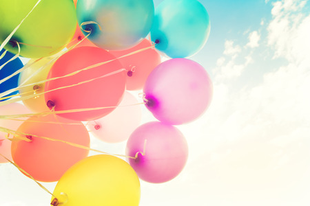 Photo pour Colorful balloons done with a retro  filter effect. - image libre de droit