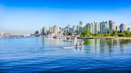 Foto de Vancouver skyline with harbor, British Columbia, Canada - Imagen libre de derechos