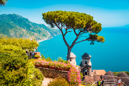 Photo pour Scenic panoramic view of famous Amalfi Coast with Gulf of Salerno from Villa Rufolo gardens in Ravello, Campania, Italy - image libre de droit
