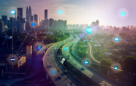 Foto de smart city and wireless communication network, abstract image visual, internet of things - Imagen libre de derechos