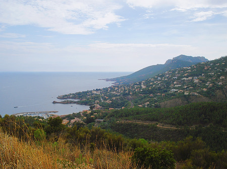 At the eastern extreme of the Alpes-Maritimes the Theoule-sur-Mer commune is situated. Here you can find 7 hectares of parkland of the Esterel Corniche and  the extraordinary sight of the red Esterel rock