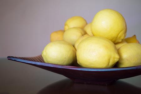 Photo pour The lemon tray - image libre de droit