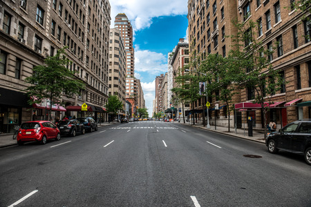 Foto de New York City Manhattan empty street at Midtown at sunny day - Imagen libre de derechos
