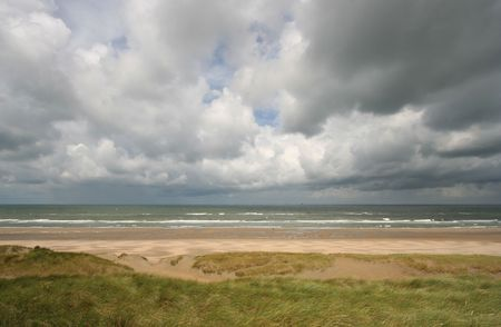 Storm approaches the Dutch shore