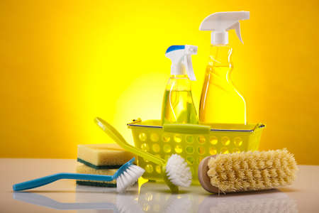 Photo pour Variety of cleaning products - image libre de droit
