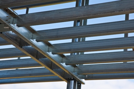 Photo pour Steel load bearing structure of mezzanine - image libre de droit