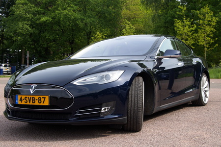 Black Tesla Motors Model S Front view