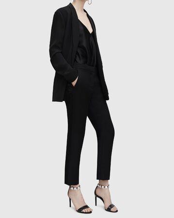 Photo pour New Black Women Business Suits Formal Office Suits Work Blazer Women Tuxedo Suit Casual Wear, Coveralls Black - Tuxedo jumpsuit black, BLAZER WITH TUXEDO LAPEL BLAZERS WOMAN. - image libre de droit
