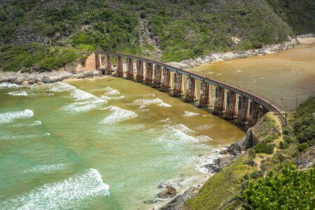 Photo pour Kaaimans River Railway Bridge, Wilderness, Garden Route, South Africa - image libre de droit