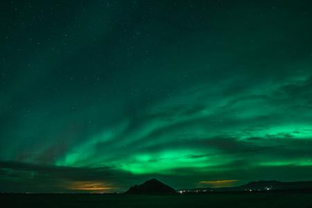Photo pour Northern Lights on Cold Icelandic Nights - image libre de droit