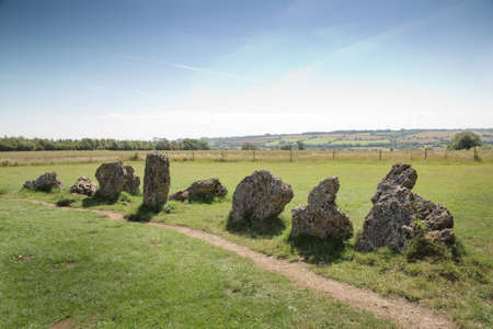 Photo pour landscape image of the rollright stone in the Oxfordshire Warwickshire border in England - image libre de droit