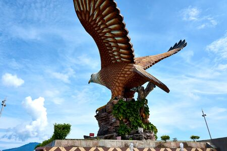 Photo pour Langkawi, Malaysia - October 10, 2019. Eagle Square in Langkawi, near the Kuah port. This giant Eagle statue is the symbol of Langkawi island, Malaysia - image libre de droit