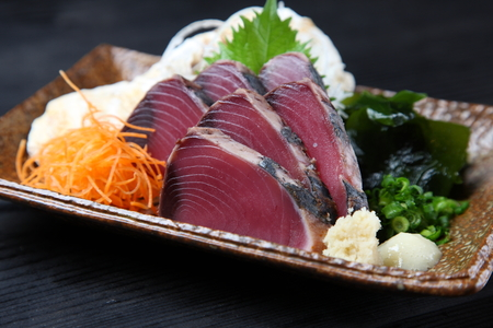 Photo pour lightly-roasted Bonito Sashimi - image libre de droit