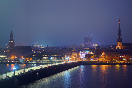 Photo pour View of Riga, Latvia by night, as seen from the national library - image libre de droit