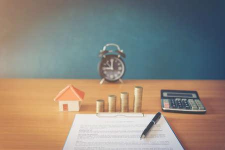 Photo pour Contract for the sale of a New Home (lorem ipsum - fake text) - image libre de droit