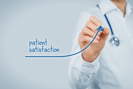 Foto de Doctor improve patient satisfaction concept and better access to medical and healthcare supervision. Medical practitioner want to increase number of satisfied clients (patients). - Imagen libre de derechos