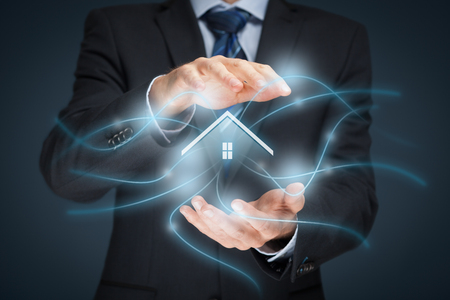 Photo pour Intelligent house, smart home and home automation concept. Symbol of the house and wireless communication. - image libre de droit