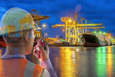 Staff officials are Control work by radio communication.Transportation ship shipping is a popular method.The ship is waiting a lot of waiting.To make the country\'s economic growth.The work is ongoing.