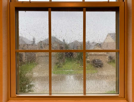 Photo pour A raining day view look from a indoor window - image libre de droit